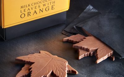 R&W Milk Chocolate Leaves with Orange box + leaf