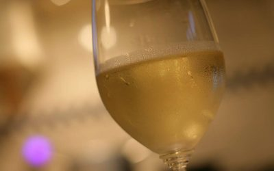 A_glass_of_Chablis