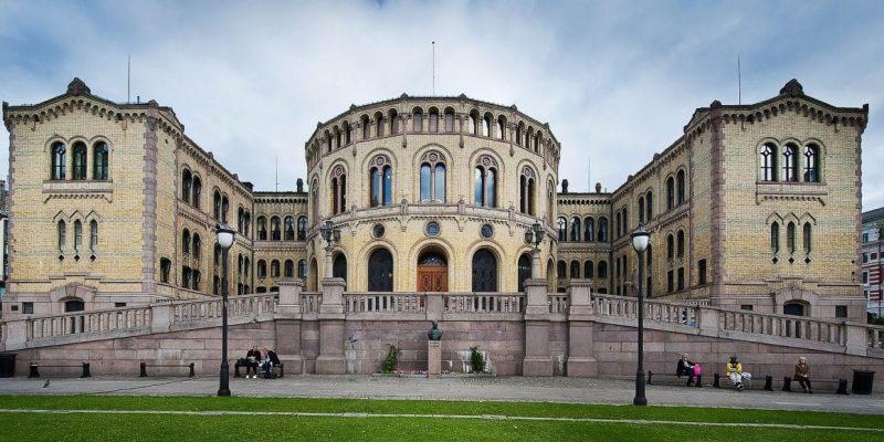 Stortinget,_Oslo,_Norway_(cropped)