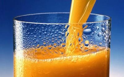 422px-Orange_juice_1
